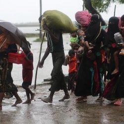 ميانمار تعتقل عشرات من الفارين الروهنغيا بعد تعثر قاربهم على شاطئ أراكان