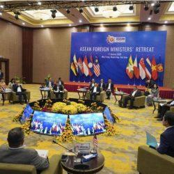 الصين وميانمار توقعان اتفاقيات ضخمة رغم الانتقادات الدولية بسبب أزمة مسلمي الروهنغيا