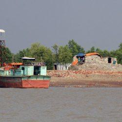 مخاوف من حجر الروهنغيا في جزيرة نائية في بنغلادش