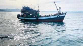مخاوف من غرق العالقين الروهنغيا في بحر أندامان بعد فقدان أثرهم