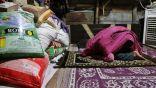كيف يبدو إفطار اللاجئين الروهنغيا في مخيم دلهي بالهند خلال أزمة كورونا