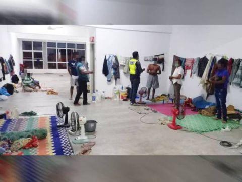 ماليزيا تعتقل 5 من اللاجئين الروهنغيا لدخولهم البلاد بشكل غير قانوني