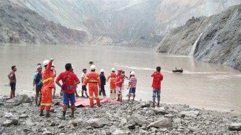 مصرع 113 عامل منجم إثر هبوط أرضي شمالي ميانمار