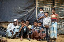 كيف يقوم صحفي روهنغي بعمله من داخل مخيمات بنغلادش؟